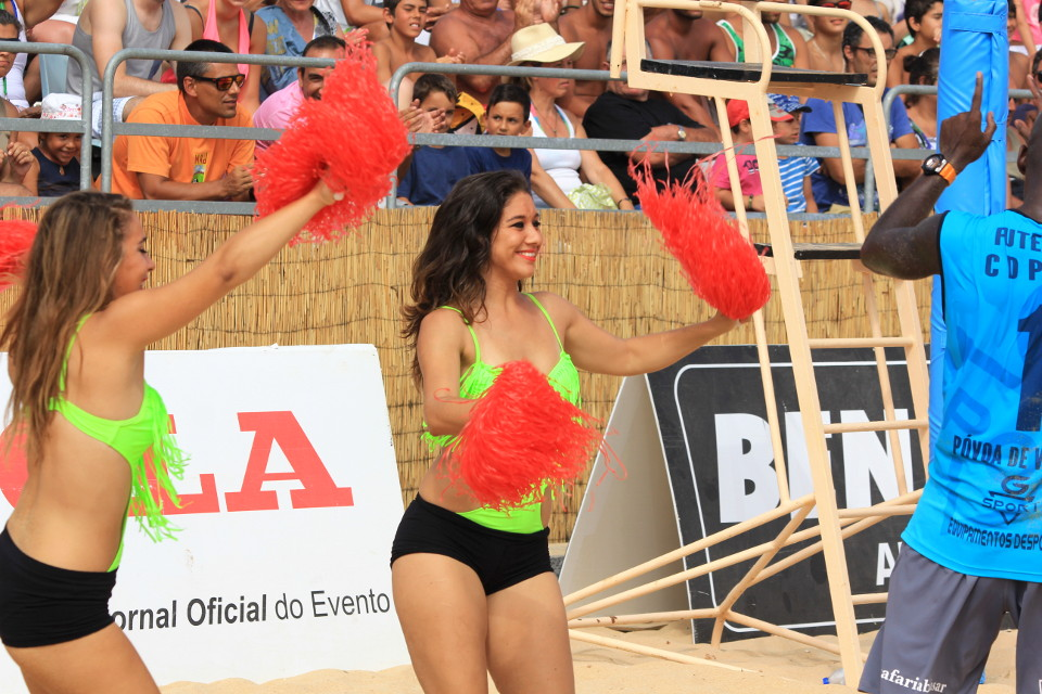 Footvolley Cheerleaders