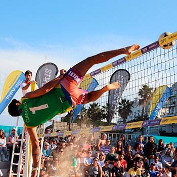 Rodrigo Beze (Alemão) and Victor Real guarantee Brazil victory at the Footvolley World Challenge 2019 in Cascais